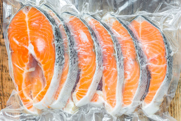 21 life hacks for healthier eating page 2 for Flash frozen fish