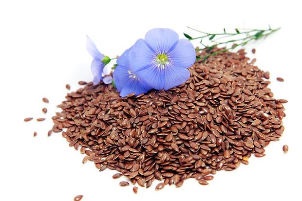 bigstock-Linum-Usitatissimum-Flowers-An-22513904