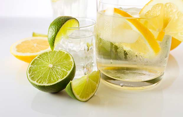 bigstock-Drinks-With-Lemon-And-Lime--31914266