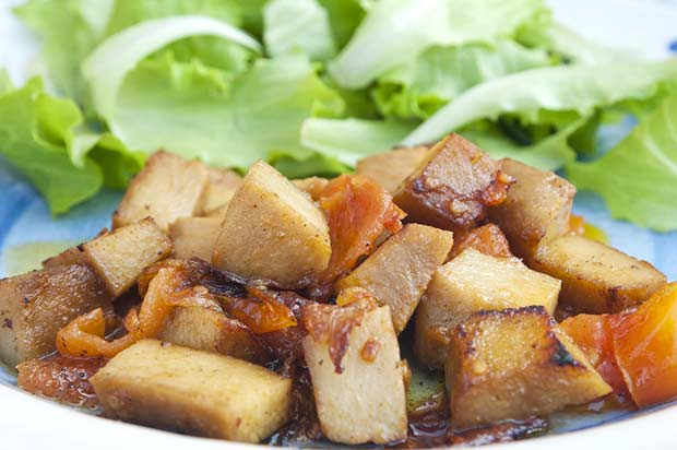 bigstock-Seitan-And-Salad-33121238